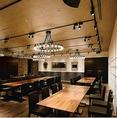 【Banquet ~大空間のパーティースペース~】大人数ご利用頂ける大空間の貸切りパーティースペース。社内行事や決起会、打ち上げパーティーなど様々なシーンでご利用頂けます。立食スタイルや着席スタイルなど用途に合わせたスタイルでお料理をご提供致します。お昼は、日替りの本格洋食ランチをお楽しみ頂けます。