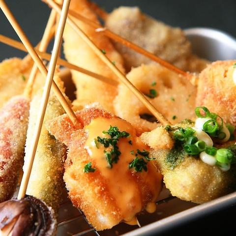 【大阪名物】串かつとかすうどんの大衆居酒屋!気軽にサクッと1杯楽しめます。
