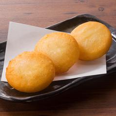 料理メニュー写真とろ~りチーズのもちもちポテト