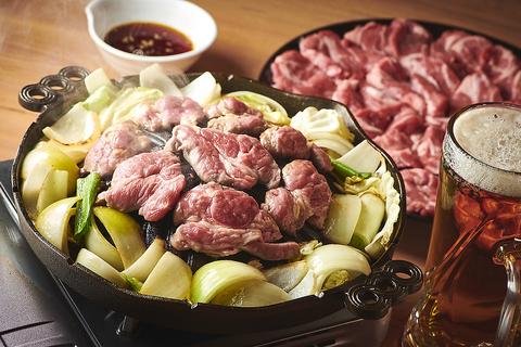 北海道の食材やジンギスカンをカジュアルでアウトドア感のある雰囲気で楽しめるお店