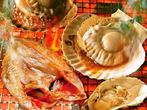 古の釧路湊の旅籠をイメージした、やすらぎの空間。ゆっくりと地元の食材を楽しめる。