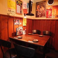 4名様テーブルと6名様テーブルをご用意しております