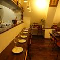 オープンキッチンで作り上げる料理は食欲を刺激します!