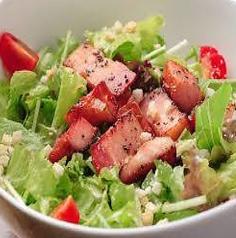 料理メニュー写真ベーコンのシーザーサラダ