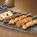 料理メニュー写真本日の串焼盛り合せ(たれ・塩)