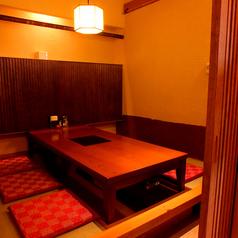 6名様の完全個室は3部屋完備。周りを気にせずご宴会いただけます。