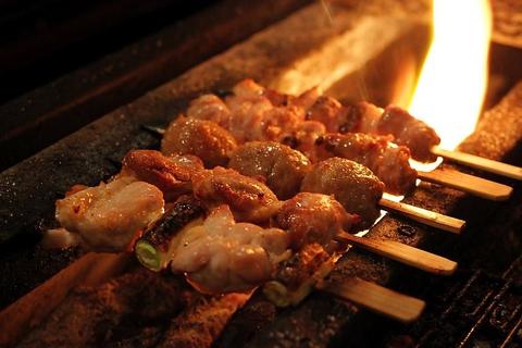 国産地鶏をこだわりの備長炭を使い丁寧に焼き上げました☆