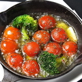料理メニュー写真完熟ミニトマトのアヒージョ