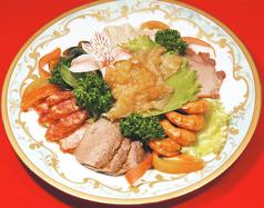 七種類の盛合せ前菜/三種冷菜盛合せ