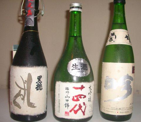 利き酒師がいるお蕎麦屋さん。夜は要予約で日本酒飲み放題のコース料理が人気!