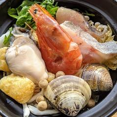 海鮮鍋 1人前 (牡蠣、大エビ、はまぐり、鱈)
