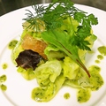 料理メニュー写真春キャベツと浅蜊のサラダ フレッシュハーブ風味
