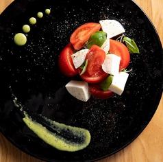 フルーツトマトとモッツァレラのカプレーゼ