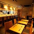 三軒茶屋のシックな雰囲気溢れる『和食居酒屋 ごしき』各地の個性溢れる地酒に負けない、最高な料理の数々。日本酒とこだわりの和食との黄金コンビを心行くまでお楽しみ下さい。貸切は20名様~名様。各種ご宴会2時間飲み放題付きで5000円、6000円、7000円の3種類をご用意。ご利用をお待ちしております。