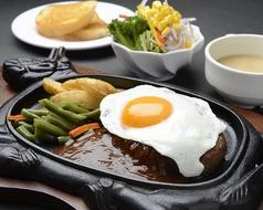 料理メニュー写真ハンバーグステーキ(200g)