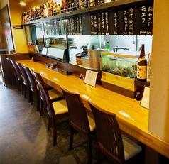 カウンターは8席。ゆっくりお食事を楽しめます♪