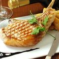 料理メニュー写真佐助豚の骨付きグリル(約350g)