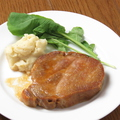 料理メニュー写真三元豚のローストポーク ジンジャーソース