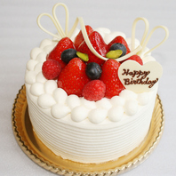 誕生日・記念日・お祝い事にサプライズケーキのご用意OK
