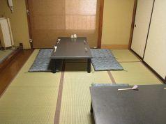 2階中座敷(4人席×2)
