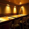 落ち着いた雰囲気のなか、優雅にお料理を楽しむことが出来るテーブル席です。
