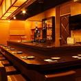 ≪JR大阪駅徒歩5分。梅田に構えるカラオケ完備の居酒屋≫梅田にある使い勝手抜群のカラオケ完備居酒屋です。通信カラオケなので幅広い世代の曲が揃っています!暖かみのある店内で、仲の良いご友人や会社仲間同士で楽しい時間をお過ごしください!