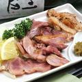 料理メニュー写真鶏のモモハム/超ジューシーソーセージ