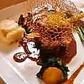 料理メニュー写真極上黒毛和牛ランプ肉とフォアグラのポワレ 極上ロッシーニ風