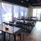 ガラス張のテーブル席は雰囲気抜群、ランチタイム~ティータイム~ディナータイムにも様々なシーンで使えます♪女子会はもちろん、男子会や宴会、プチ飲み会などシーンに合わせてご来店ください!