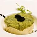 料理メニュー写真丹波黒豆と抹茶のティラミス