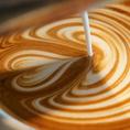 ◆厳選された拘りのコーヒー豆は【ゴルピーコーヒー】のスペシャルティコーヒーを使用◆使用するコーヒー豆は名古屋の名店【ゴルピーコーヒー】で焙煎された、特別なコーヒー豆。一日に何杯も飲みたくなるような味を目指しております。
