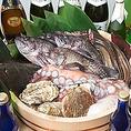 三陸の新鮮な魚介を使用したお料理がウリです。海鮮と旬野菜のしゃぶしゃぶを楽しめるコースなど4つをご用意