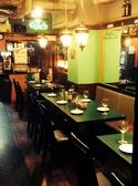 テーブル席は最大16名まで。女子会~会社宴会までご利用いただけます。