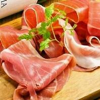 【肉料理充実】ローストビーフやサイコロステーキまで!!