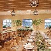 """【バンケット オリヴィエ】着席 30~100名様/立食 30~180名可。細長いフロアではないので""""ラシックアンジュール""""なら一体感のあるパーティーが叶うはず!完全個室としてご利用頂けます。"""