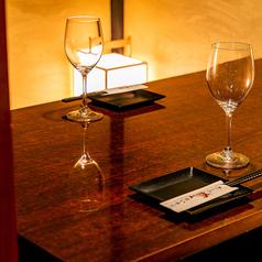 【2名様限定】カップルシート個室。デートやご夫婦でのお食事にピッタリの空間をご用意いたしました。周りを気にせず、ゆっくりと大切なお時間をお過ごしください♪