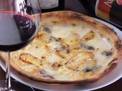 チンクエ フォルマッジ(イタリアチーズ5種のピッツァ)