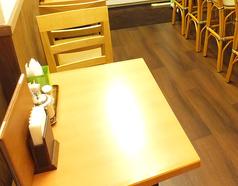 2名テーブルが2卓ございます♪