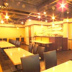 別館貸切パーティースペース2階☆ゆったり落ち着いたテーブル席(^-^) フラダンスやバンド演奏、会議室など用途は色々です♪