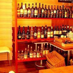 ワイン棚に隠された限定の個室は人気です♪