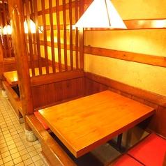 掘りごたつ式のテーブル席が8人掛け4席ご用意ございます♪