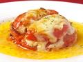 料理メニュー写真ベーコンとモッツアレラチーズのトマトミルフィーユ