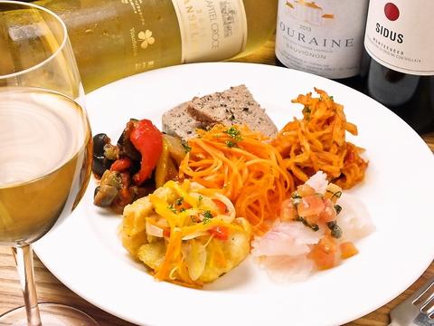 イタリアンベースのオーガニックのワインと食材をふんだんに使用