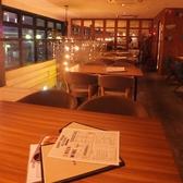 ワイアードカフェ WIRED KITCHEN ペリエ海浜幕張店の雰囲気3