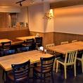 テーブル(6名席)1卓ございます。本格中華料理レストランのためお食事目的でも飲み目的でも対応可能の大きめのテーブルをご用意。お祝い事・誕生日・記念日などにもご利用◎デート・お食事等にご利用ください。カップル・夫婦・ご家族・サラリーマンのご利用が多いお席です。