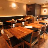 【テーブル席5名様×1】人数に合わせてレイアウト変更可能です!各種ご宴会にもご利用いただけます♪お気軽にご相談ください。