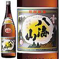 大吟醸と同じように長期低温醗酵して醸される八海山の普通酒は、淡麗な味わいの中にも、しっかりとした旨味とキレの良い後味、喉越しの良さが感じられるスッキリとした辛口酒。常温、冷、燗と様々な楽しみ方ができる新潟の定番晩酌酒です。