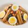 料理メニュー写真(トマトソース)ベーコン、ほうれん草、ソーセージ、コーン、ゆで卵