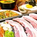 料理メニュー写真三段バラセット(おかず4品付)