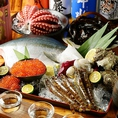 海・山と広大な自然に恵まれた愛知県の海産物の宝庫、篠島のとれたて海の幸をたくさんご用意しています。その理由はずばり、漁師さんと仲が良いから!店主も篠島へ足を運び、漁師さんとともに海に潜っています。